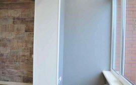отделка стен под краску и декоративный камень