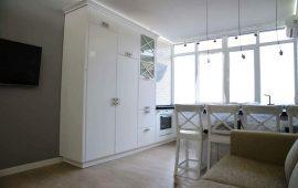 декоративный камень в кухне и балконе